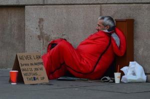 homeless-man-833017_1280